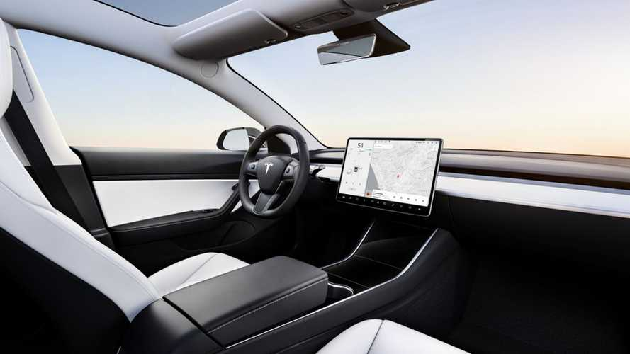 Tesla Releases New Software Updates, Includes Immediate Forced Update