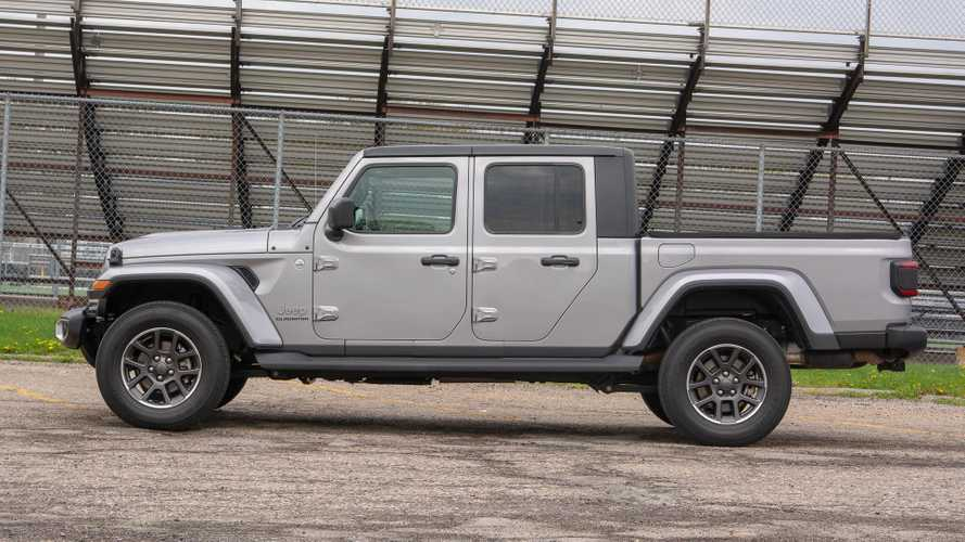 Jeep Gladiator Recalled, Sales Stopped To Fix Rear Driveshaft Issue