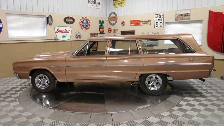 500+ HP Wagon: 1966 Dodge Coronet Deluxe Station Wagon