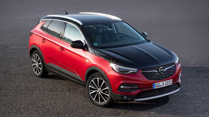 Opel Grandland X Plug-In Hybrid4 Unveiled With 300 HP and AWD