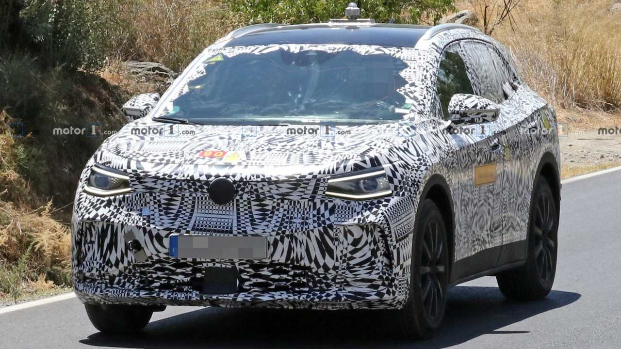 VW I.D. Crozz spy photos lead image