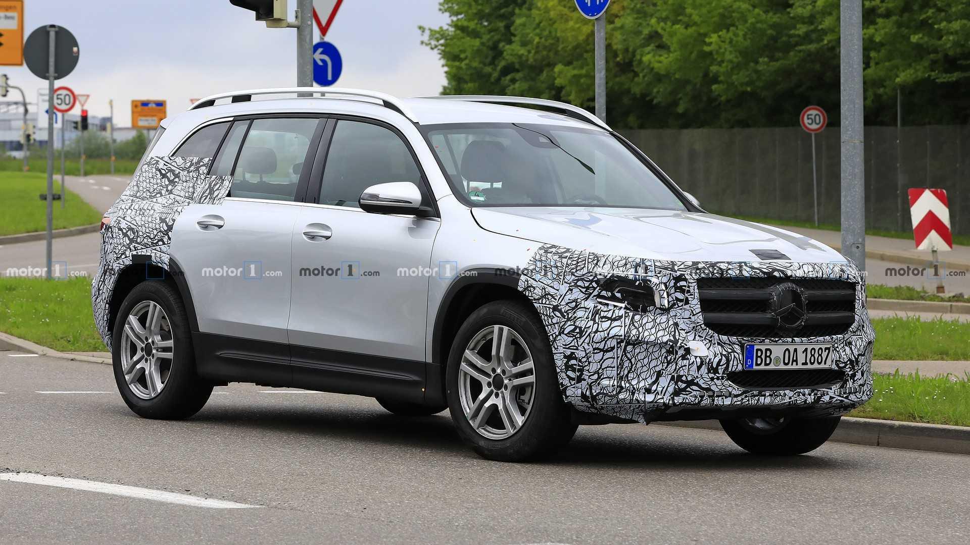 2018 - [Mercedes-Benz] GLB - Page 6 2020-mercedes-glb-spy-photo