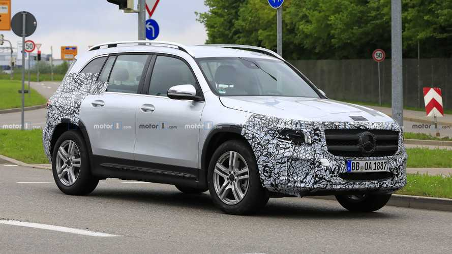 2020 Mercedes GLB: Our Best Look Yet Thanks To New Spy Shots