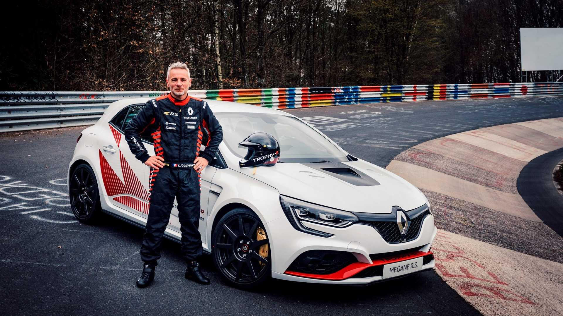 Watch Renault Mégane R S  Trophy-R Set New FWD Nürburgring Record