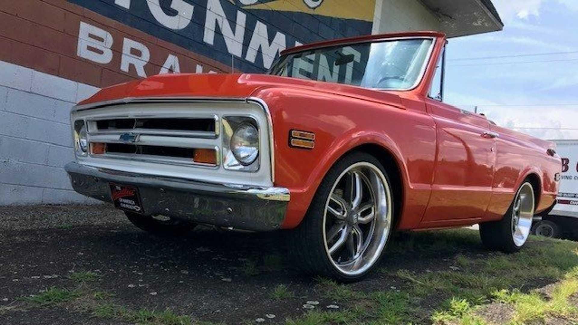 "[""Go Low In This Custom '72 Chevy Blazer C10 2WD""]"