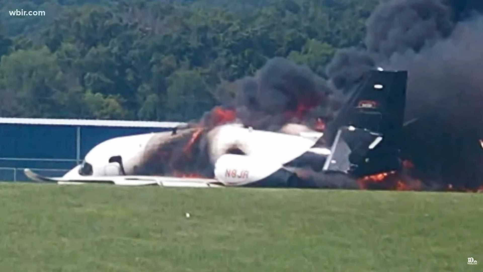 Dale Earnhardt Jr 's Plane Slid Off A Runway And Crashed In Tennessee