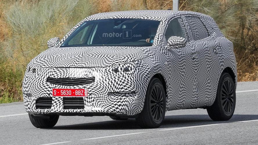 Flagra: Peugeot 2008 de nova geração será inspirado no 3008