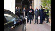 John Elkann e Sergio Marchionne consegnano la Lancia Thema presidenziale a Giorgio Napolitano