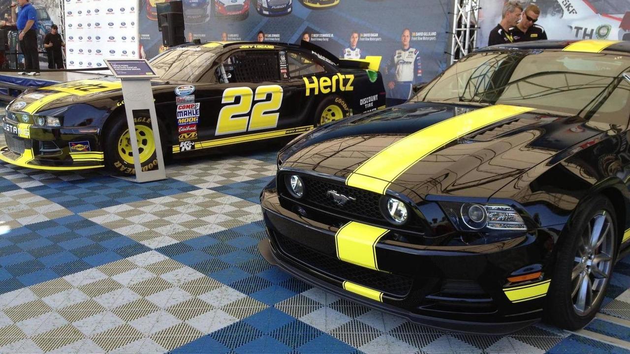 Hertz Penske Ford Mustang GT 05.7.2013