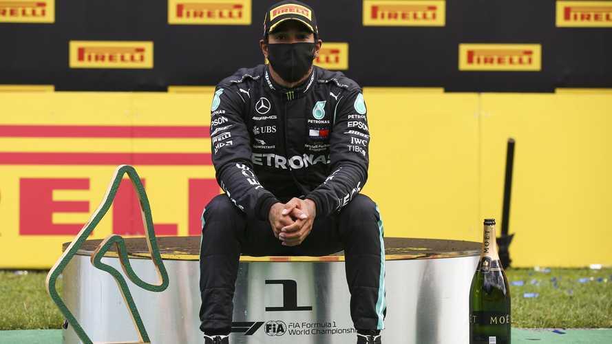 Хэмилтон упрекнул Ferrari в отказе от борьбы с расизмом