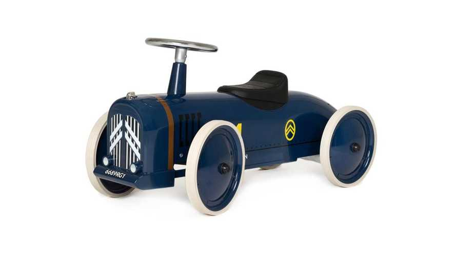 New Citroën push toy is a classic car for children