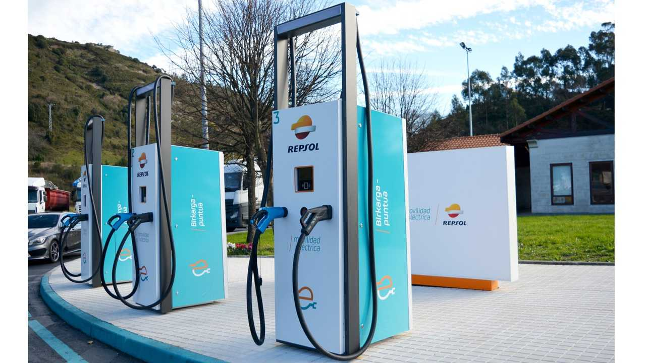 Ingeteam INGEREV RAPID ST400 - 400 kW fast charger, installed by Repsol in Spain in October 2019