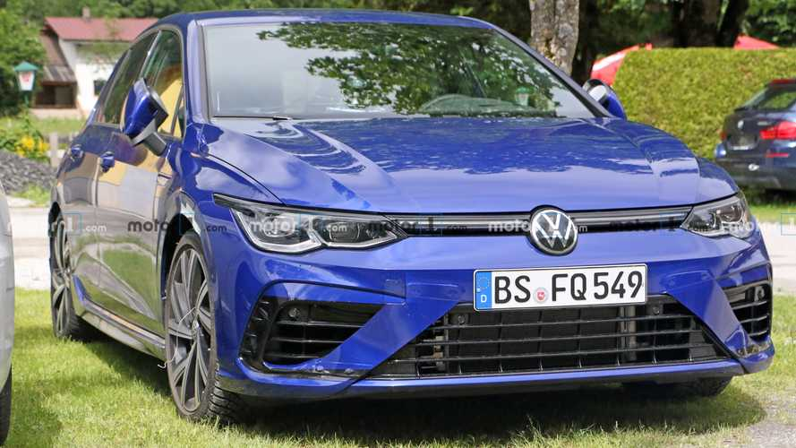 Volkswagen Golf R Spy Shots