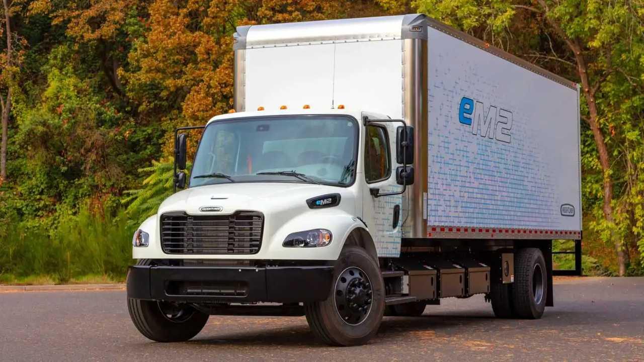 Freightliner eM2