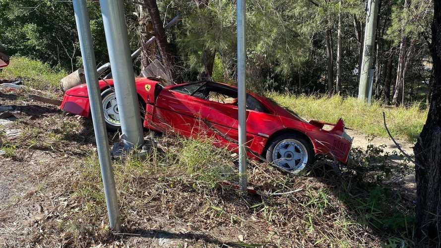 Összetört Ferrari F40