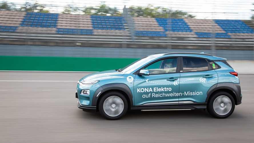 Кроссовер Hyundai Kona Electric одолел без подзарядки 1026 км