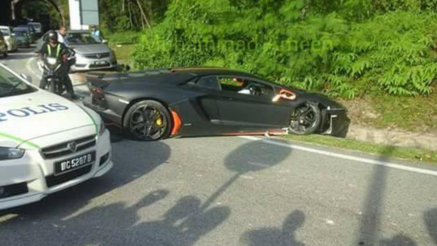Aventador crash Malaisie