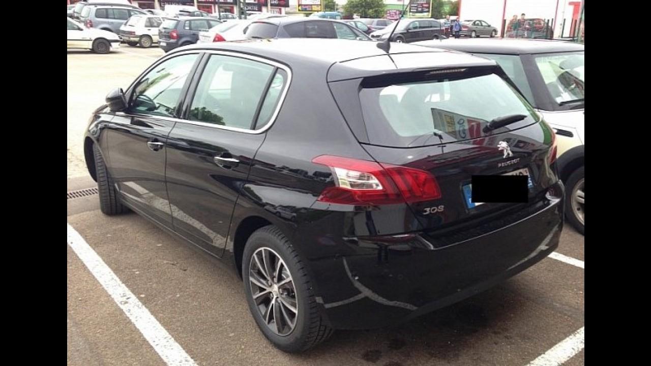 Novo Peugeot 308 é flagrado sem disfarce na França