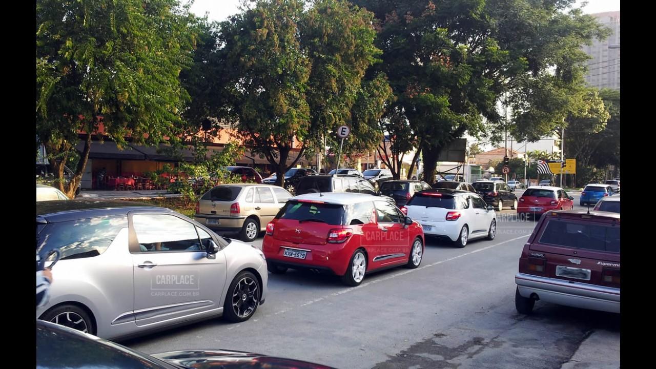 Novo Citroën DS3 desfila em carreata antes do lançamento