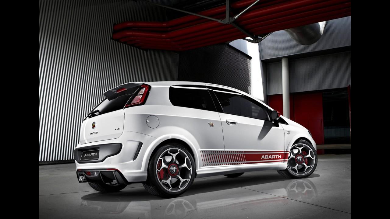Fiat revela o Novo Punto Evo Abarth - Versão tem visual e motor agressivo