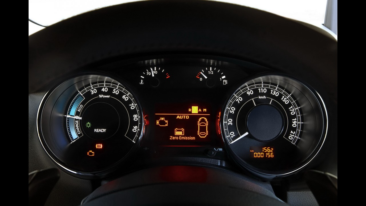 Peugeot realiza melhorias e deixa crossover 3008 HYbrid4 menos poluente