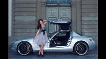 Die Schöne und der Benz