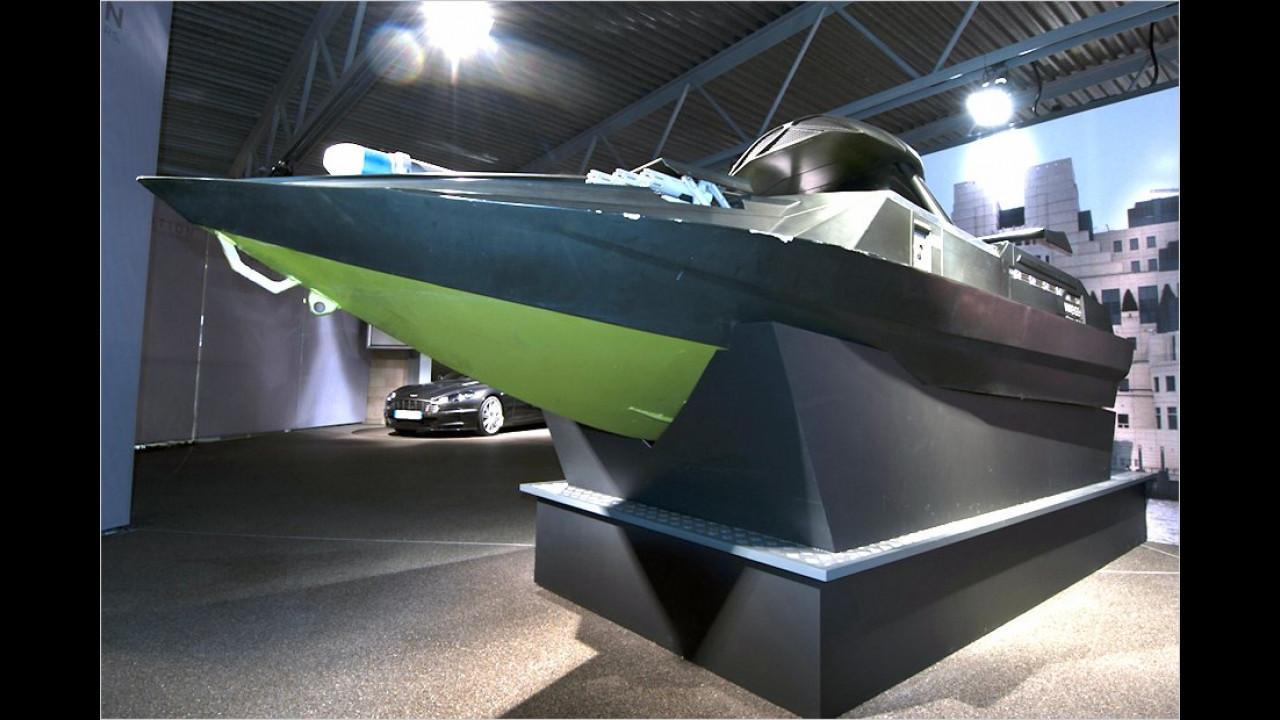 Q Jet Boat