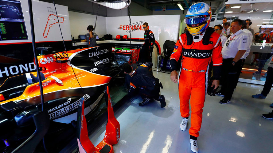 """""""Es muy probable"""" que Alonso siga en McLaren, si llevan motor Renault"""