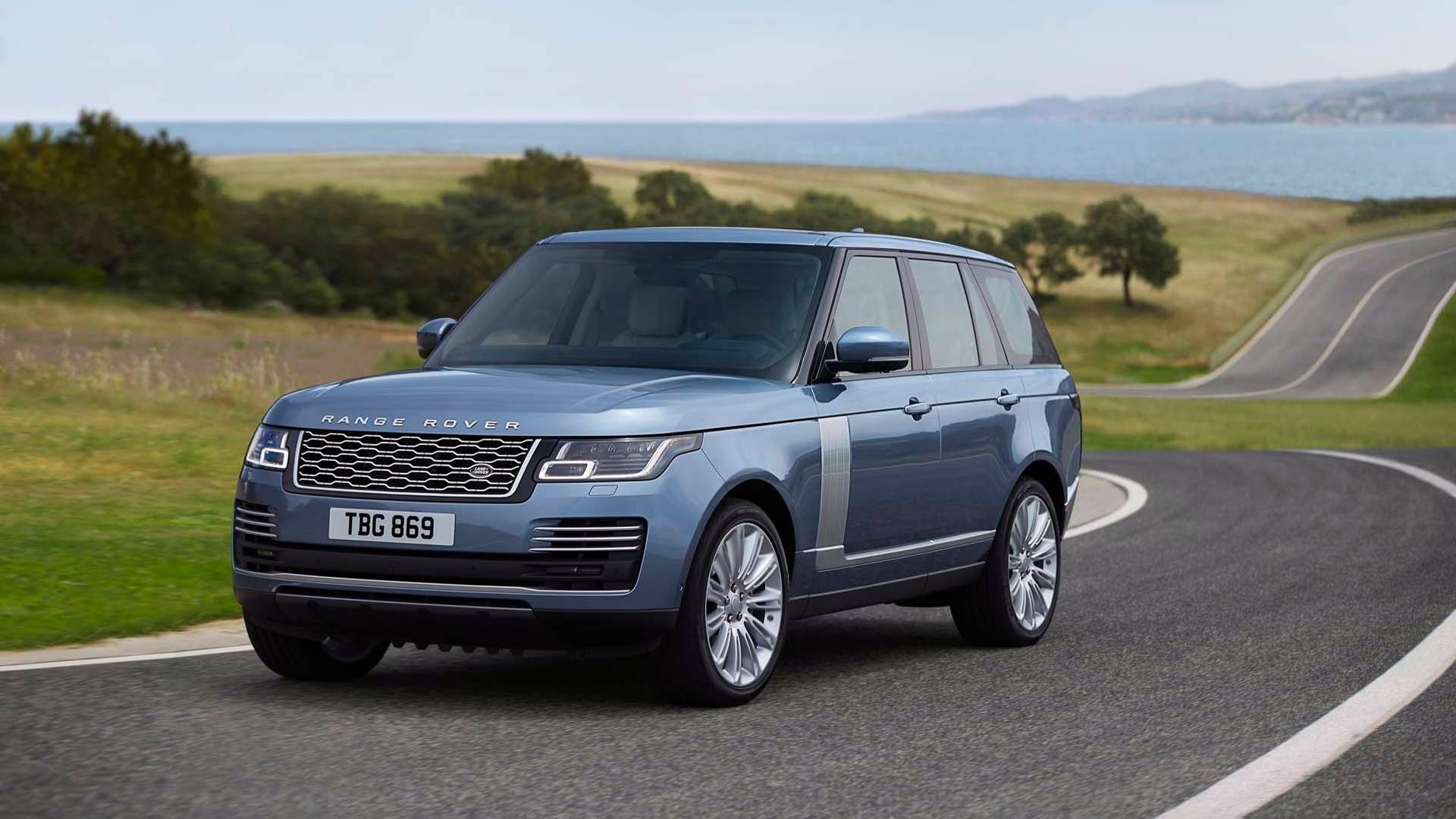Land Rover Unveils Updated 2018 Range P400e Plug In Hybrid Coupling
