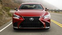 Lexus LS 2018 Red Front Dynamic