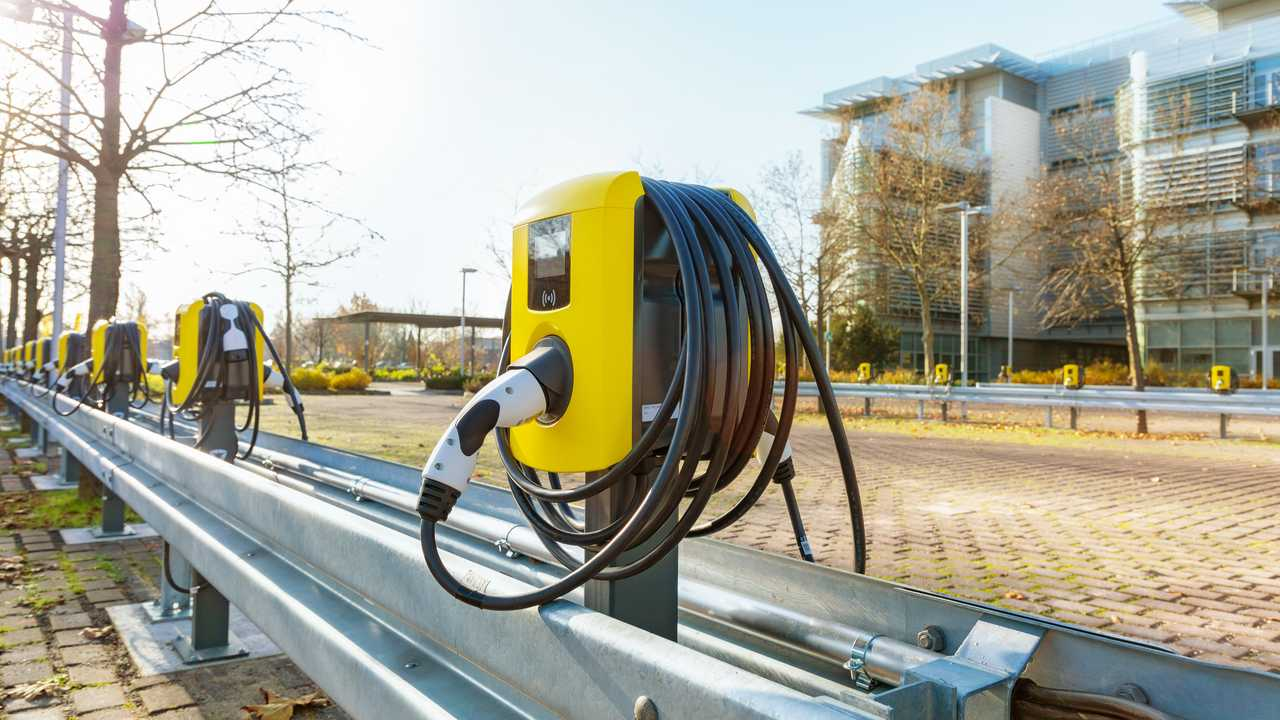 """Electric City"": Opel Completes Installation of 350 Charging Points on Time"