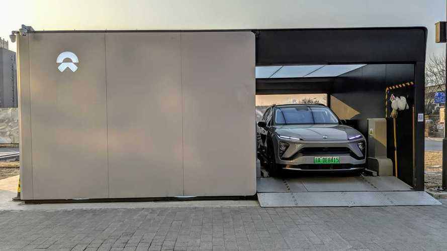 """Auto elettriche, la Cina punta sul cambio """"al volo"""" delle batterie"""