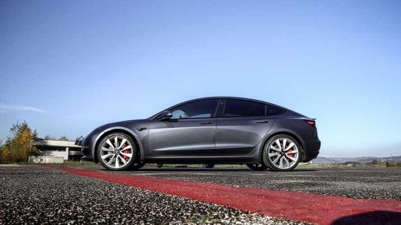 Tesla Model 3 Performance VS Zero Motorcycles SR/F