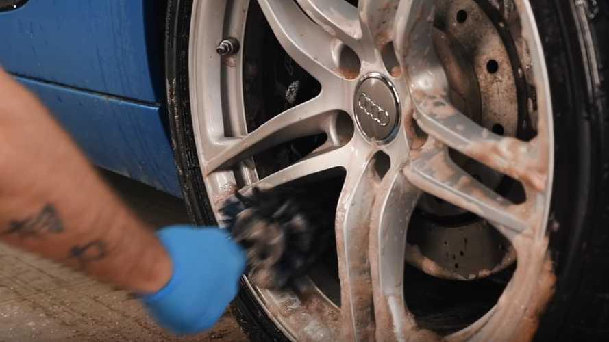 2011 Audi R8 detailing