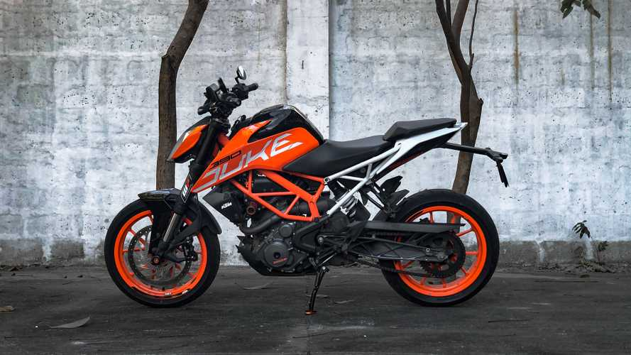 Meet The RideApart Team's Bikes: Enrico's KTM 390 Duke