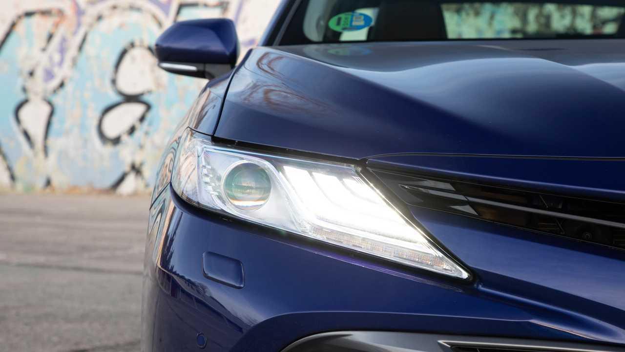 Toyota Camry Hybrid 220H, prueba