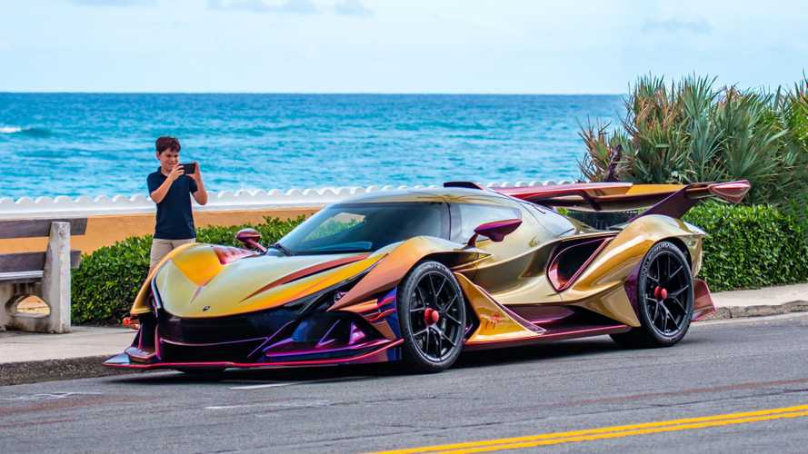 A világ legőrültebb autójának minden példánya gazdára talált