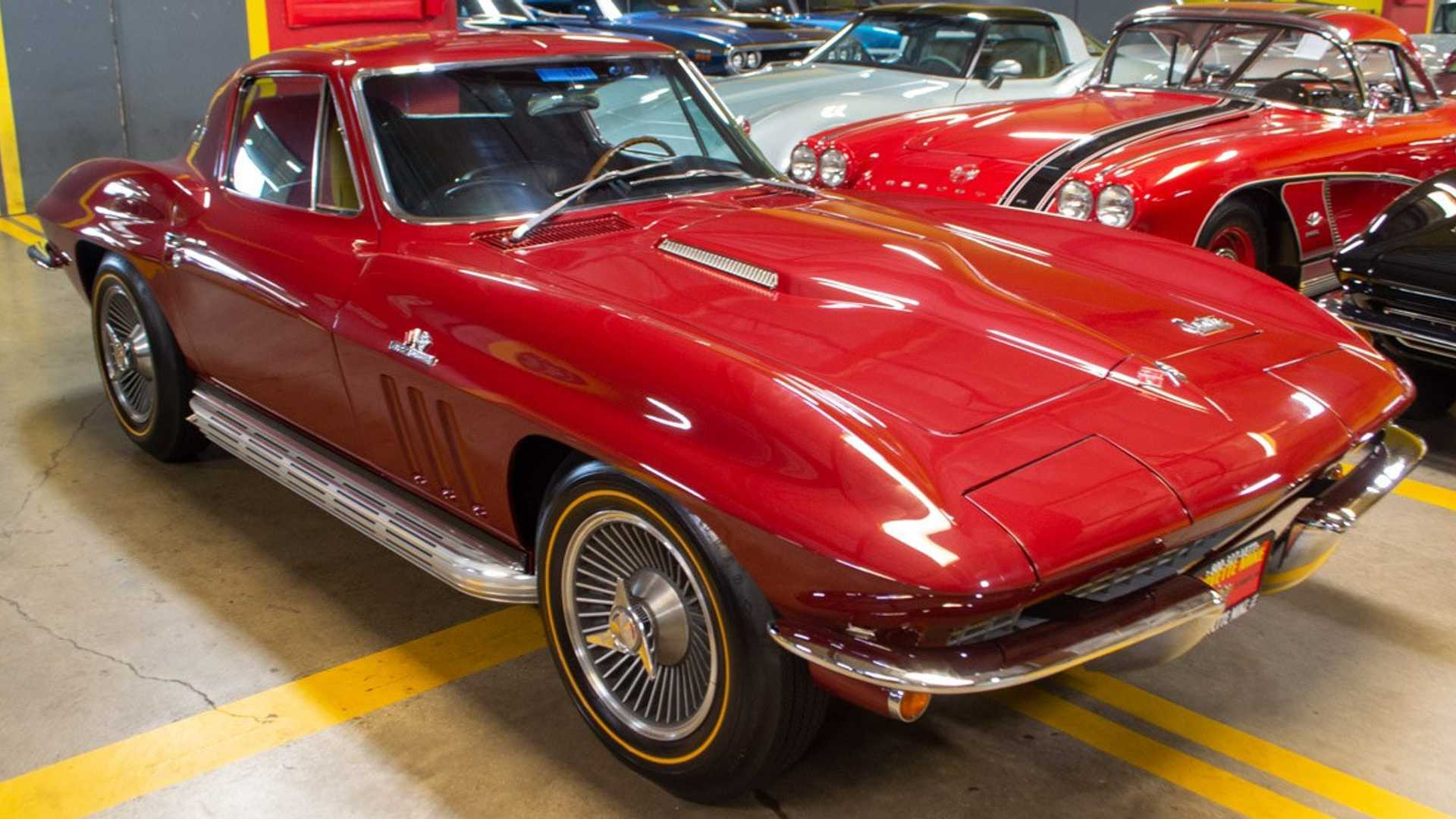 "[""Where Does The Corvette Plant Manager Go To Buy A Vintage 'Vette?""]"