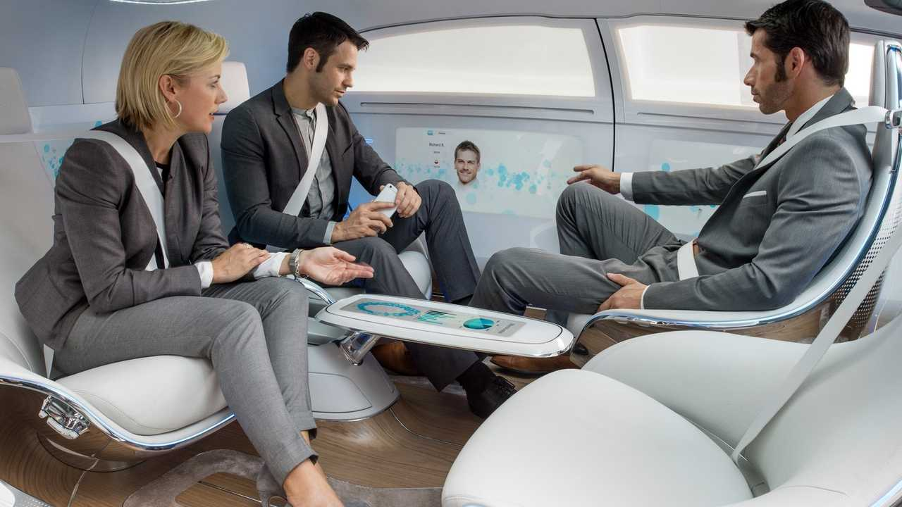 Mercedes-Benz-F015_Luxury_in_Motion_Concept-2015