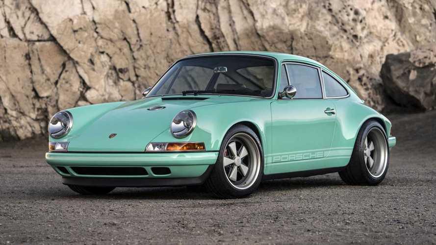 Este Porsche 911 'Malibu' Reimagined by Singer, de 2016, sale a subasta