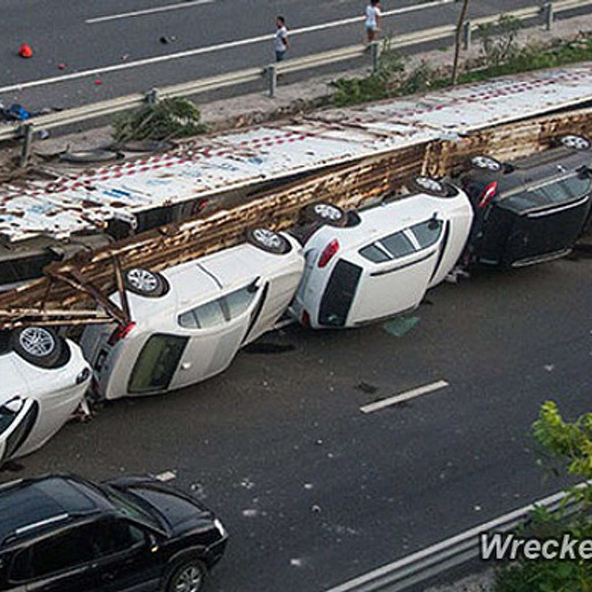 1 6 Million In Luxury Cars Wrecked In China