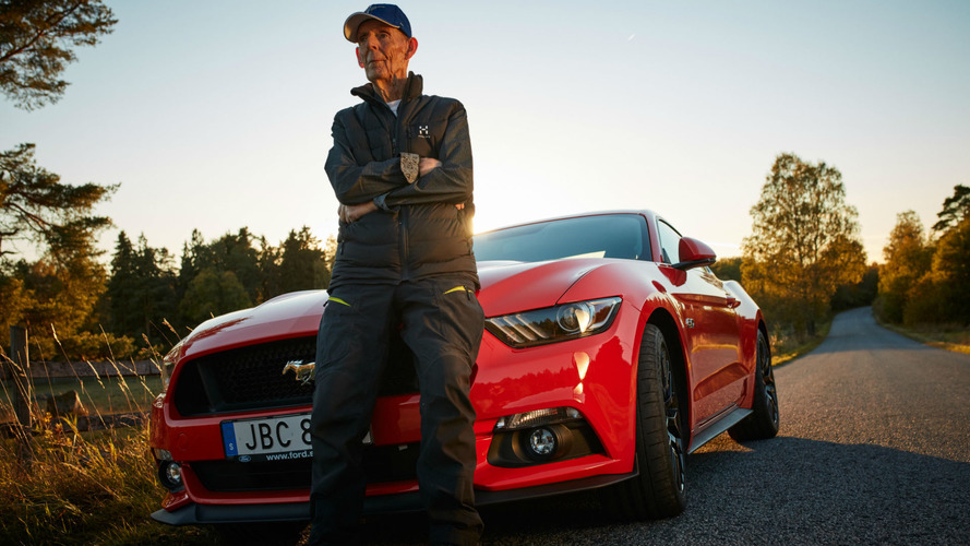 Une Ford Mustang pour ses 97 ans