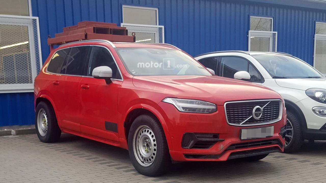 Volvo XC90 Spy Shots