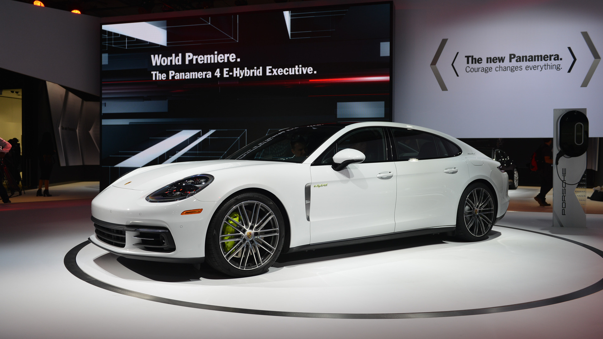 Porsche Panamera 4 E Hybrid Executive Lwb Wants To Do It All