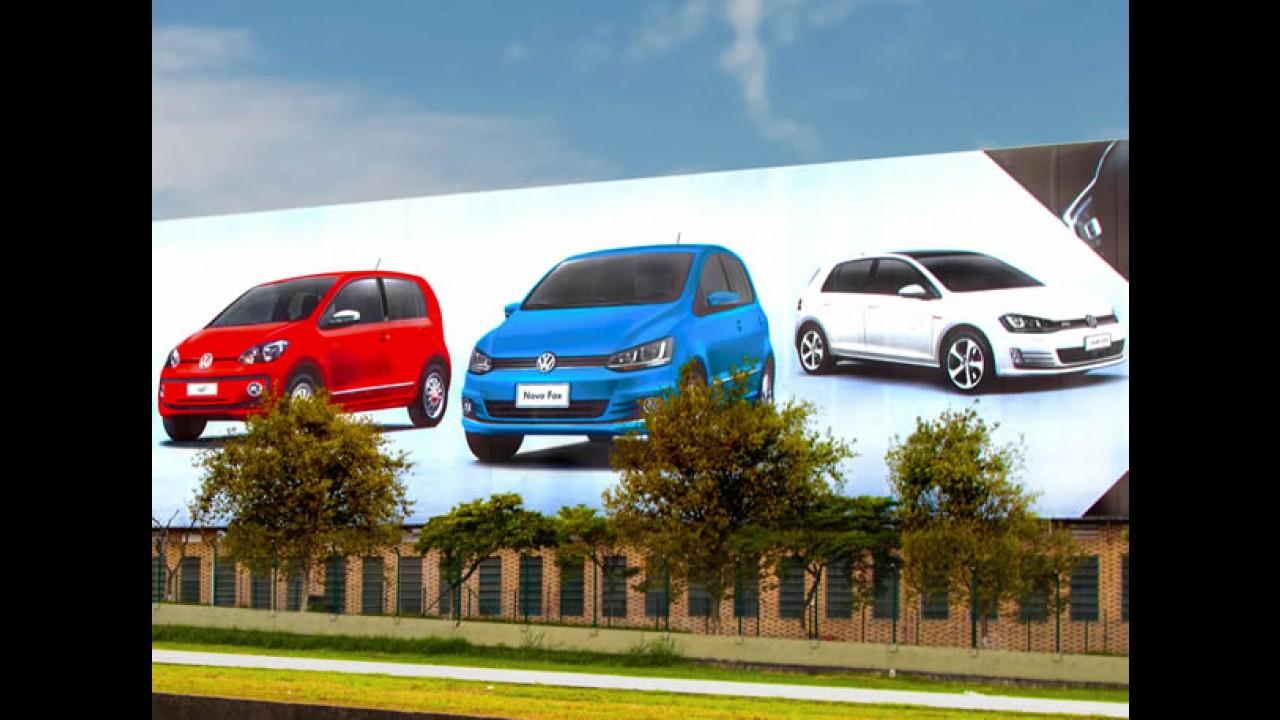 Novo Fox toma lugar do Gol até na fachada da Volkswagen