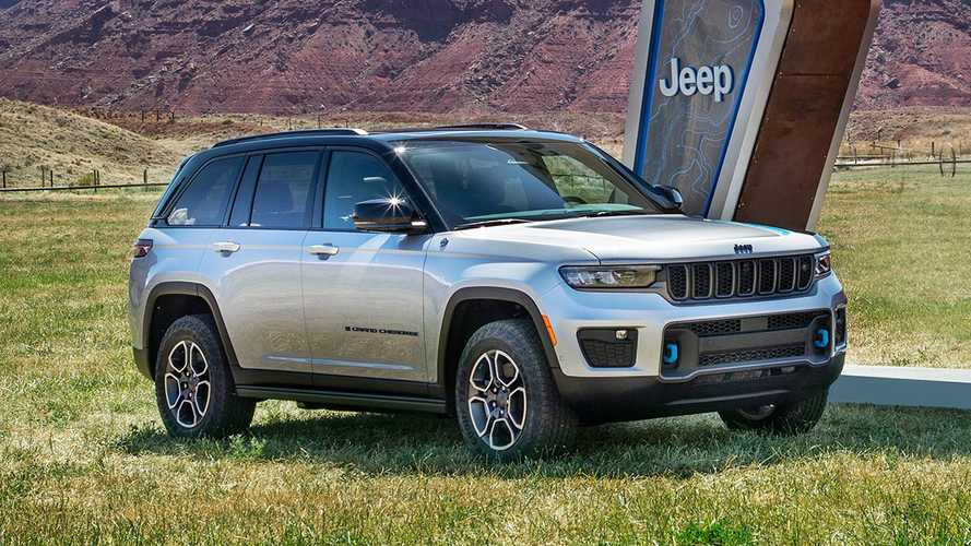 Novo Jeep Grand Cherokee estreia com versão híbrida plug-in 4xe