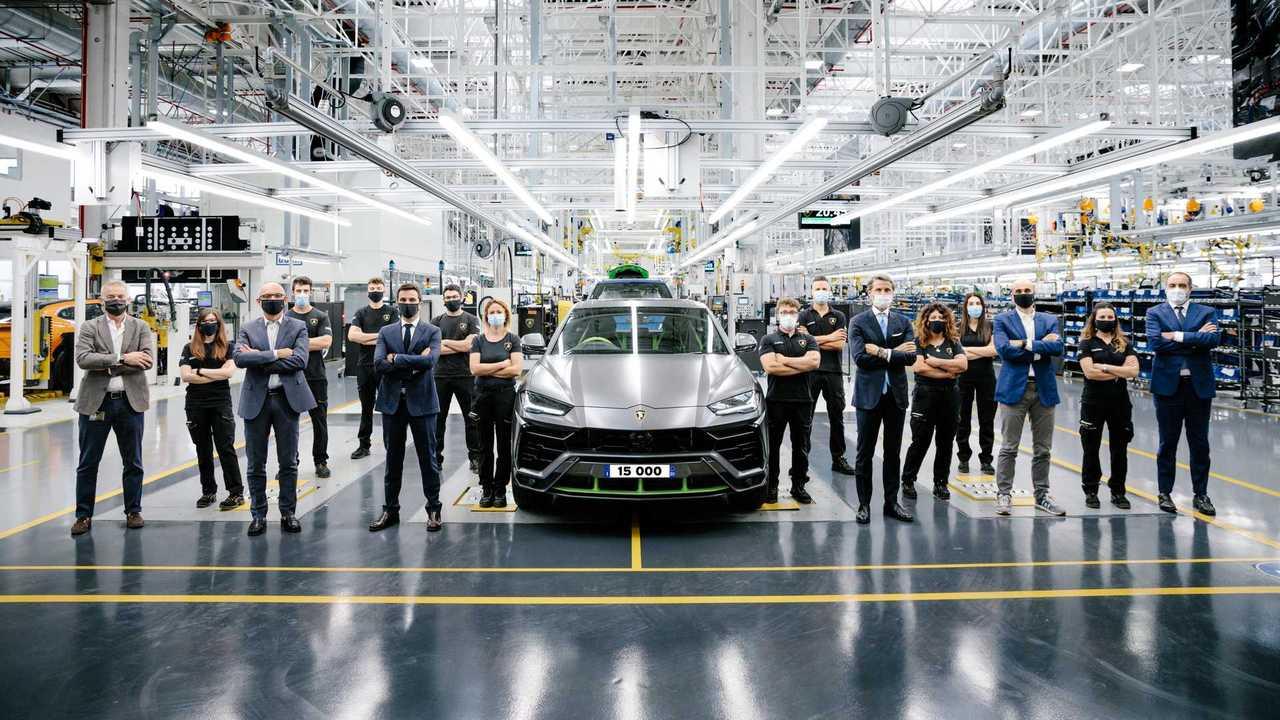 15,000th Lamborghini Urus