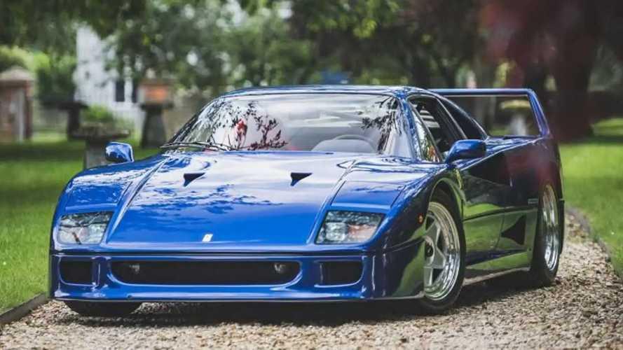 Un hermoso Ferrari F40 azul, vendido a un precio de récord
