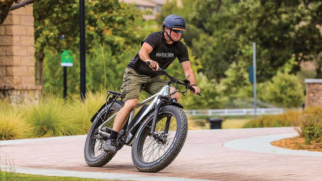 Una bicicletta elettrica Juiced Bikes