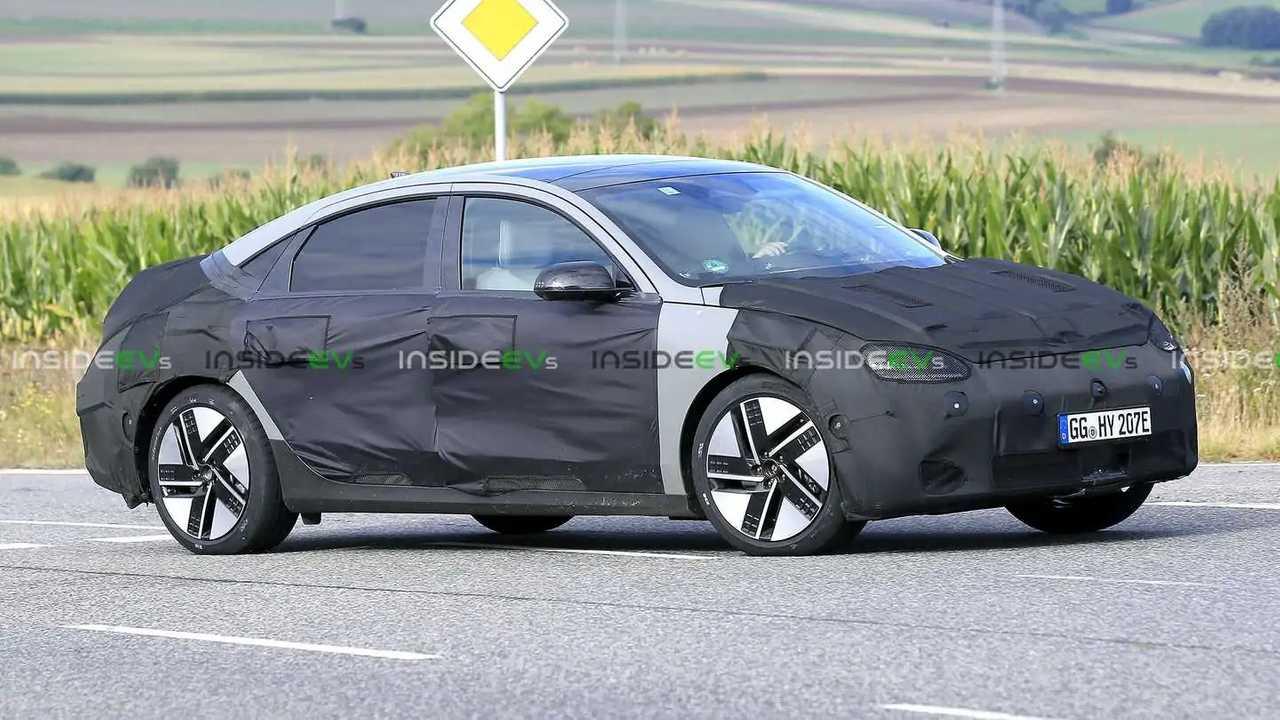 Der Hyundai Ioniq 6 als seriennaher Erlkönig